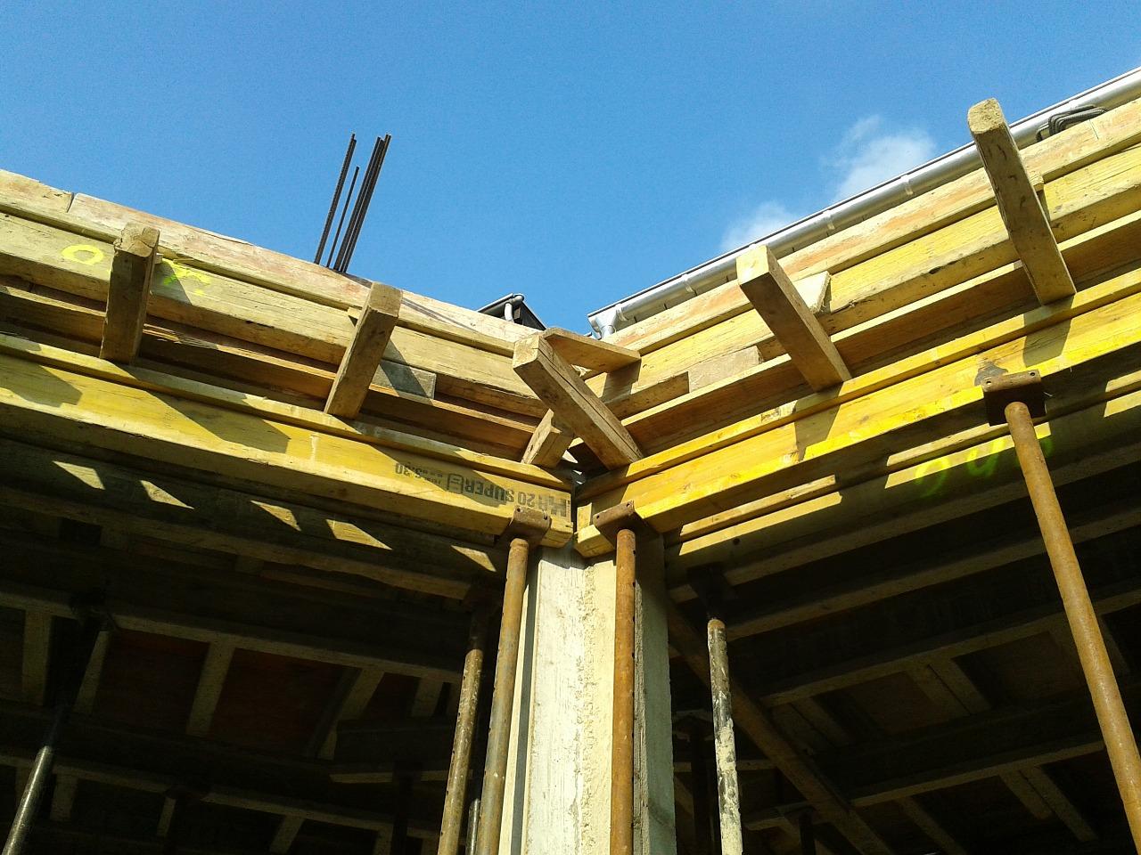 Deskowanie dachu- jak się do tego zabrać? Czy warto?