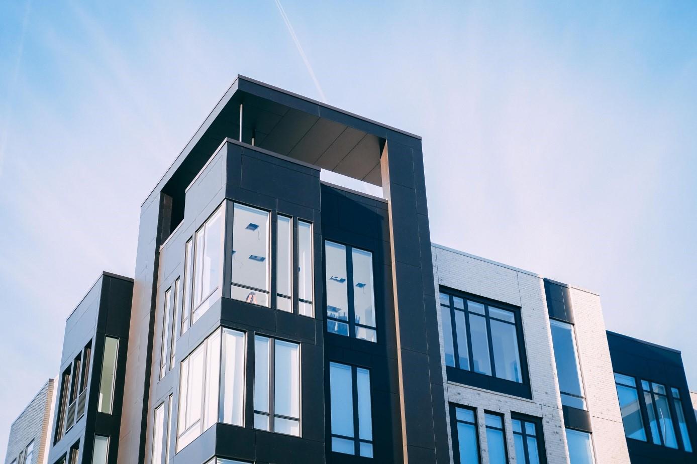 Apartament w centrum dużego miasta – dlaczego warto się do niego wprowadzić?