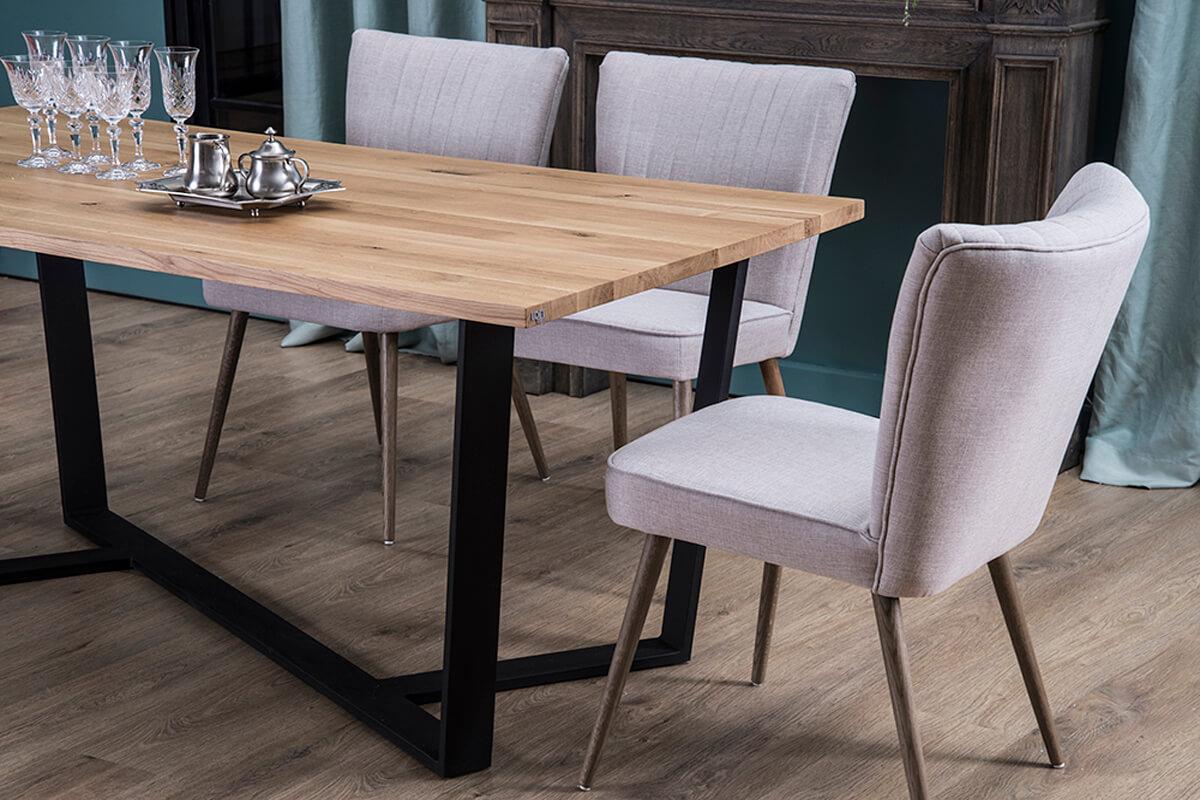 Poznaj 4 zalety stołów industrialnych!