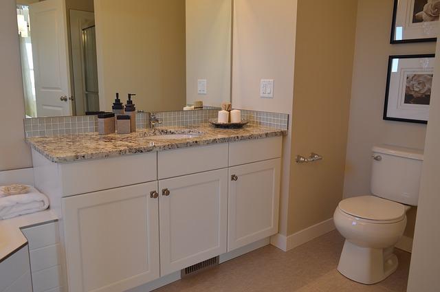 Czy warto kupować meble łazienkowe z ekspozycji?
