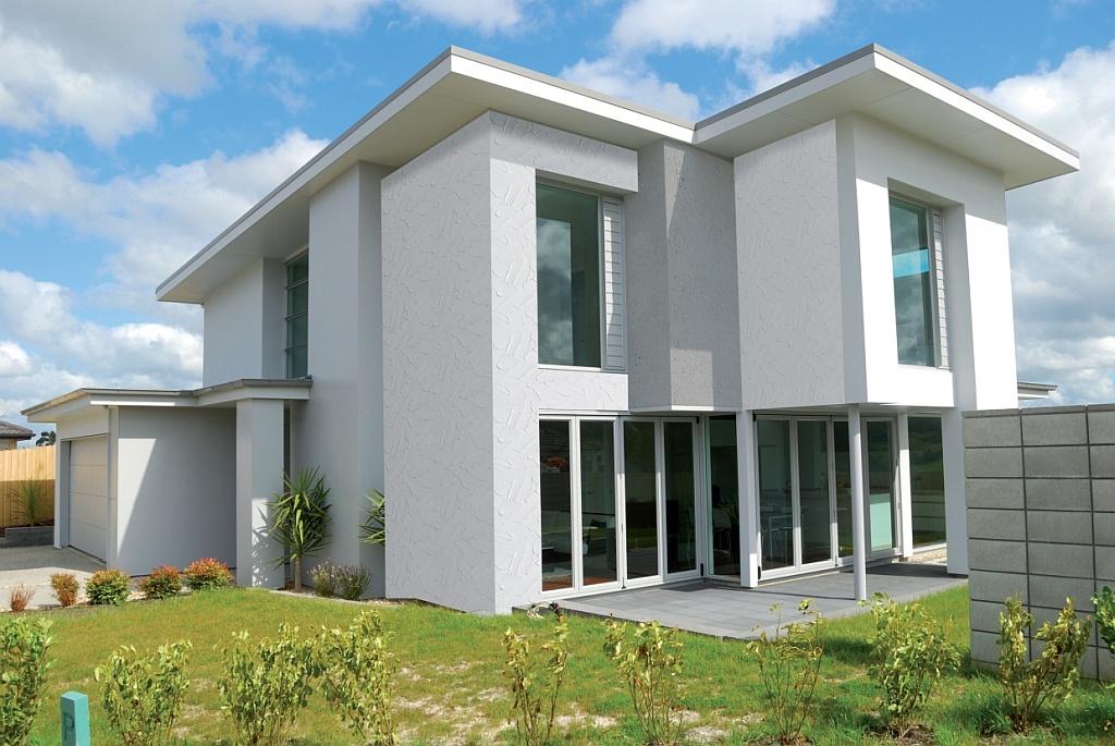 Marzy Ci się biała elewacja domu? Dowiedz się, jaki tynk na elewację będzie najlepszy